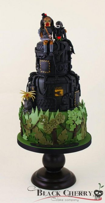 Alien and predator wedding cake