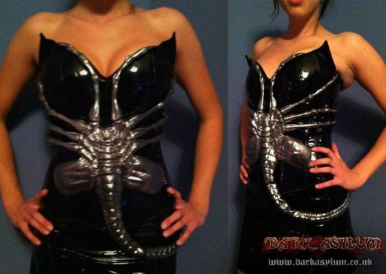 Facehugger corset